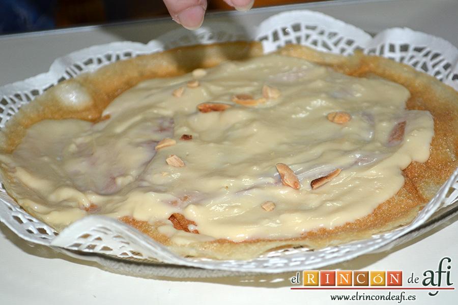Pastela, cubrir también con almendras