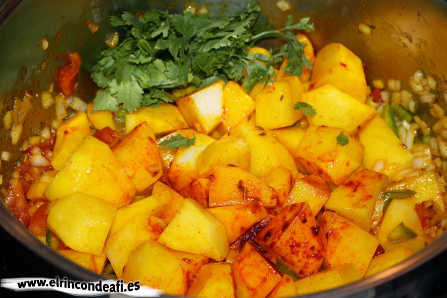 Caldo de papas, ingredientes troceados