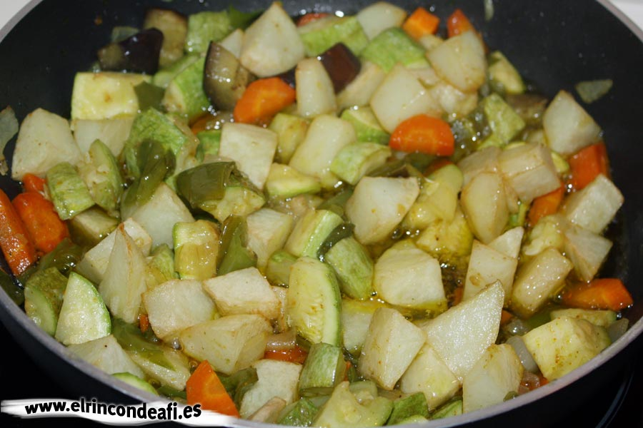 Verduras con papas y curry