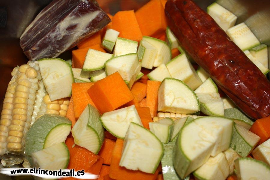 Potaje de lentejas, trocear los ingredientes