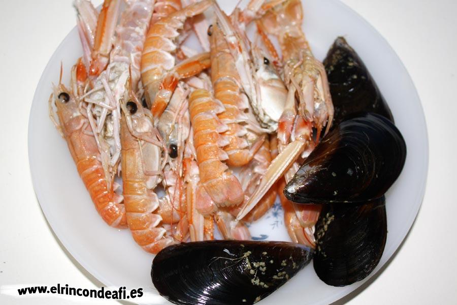 Paella de marisco, marisco restante