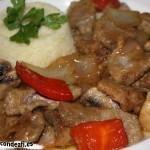 Cerdo con champiñones y salsa teriyaki