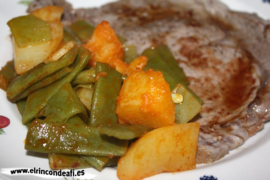 Habichuelas con papas y salsa bilbaína