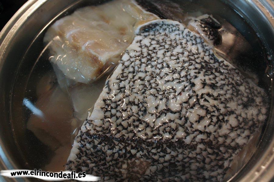 Desalar el pescado