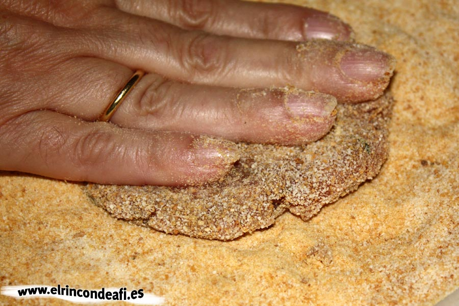 Filetes rusos, aplastar para dar forma de filete