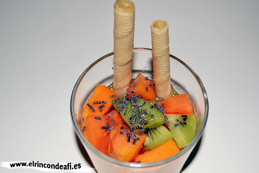 Papaya con kiwi y naranjas