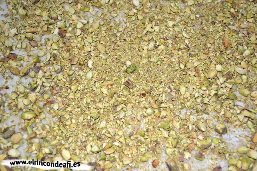 Baklava, espolvorear de pistachos