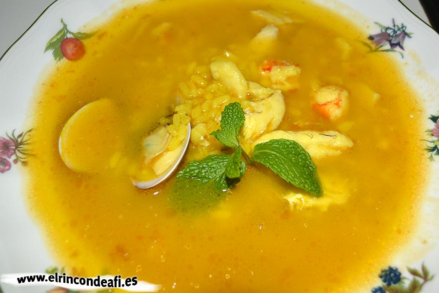 Sopa de pescado y marisco, sugerencia de presentación