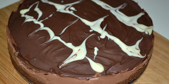 Tarta de chocolate y queso crema