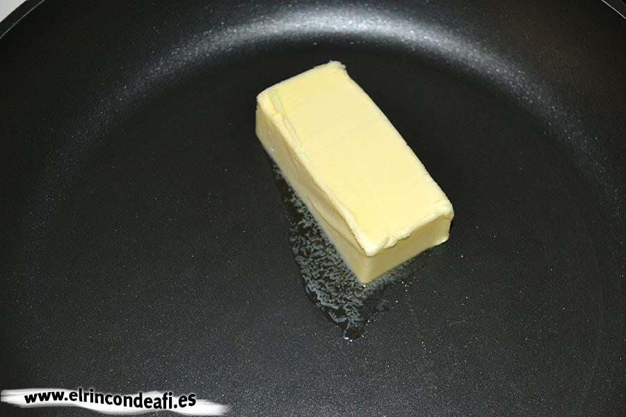 Macarrones con quesos, derretir la mantequilla