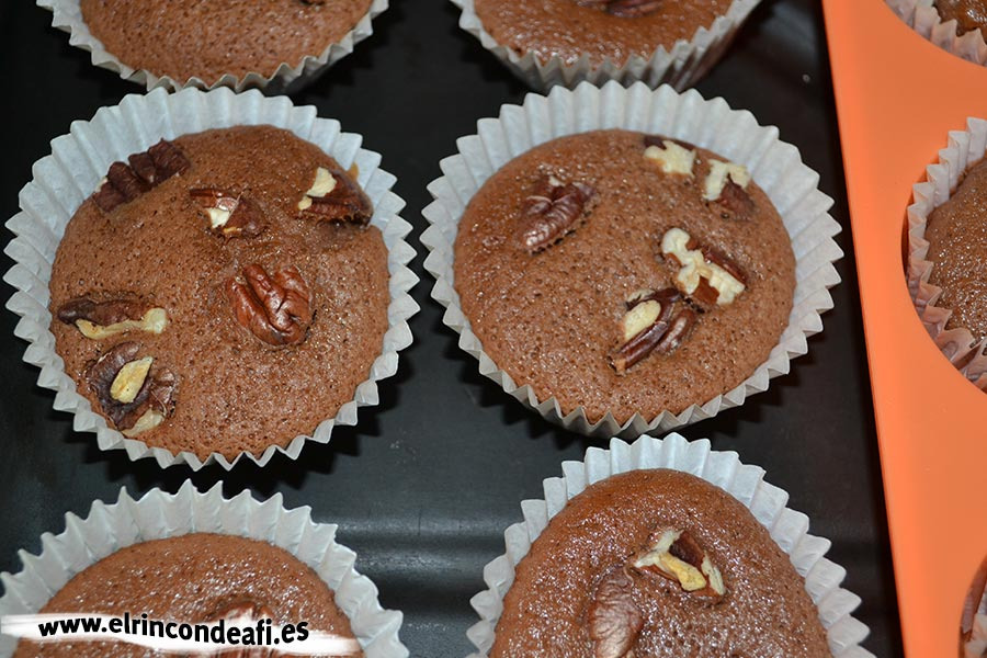Cupcakes de chocolate, dejarlas enfriar