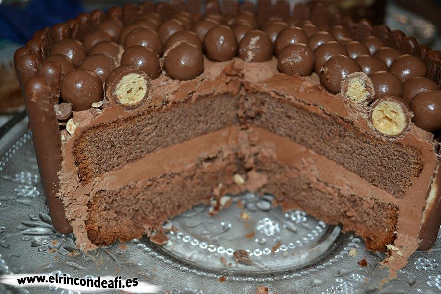 Fortaleza de chocolate, tarta cortada