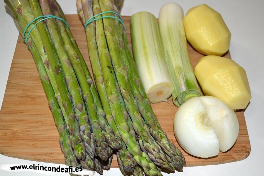 Crema de espárragos trigueros, preparar los ingredientes