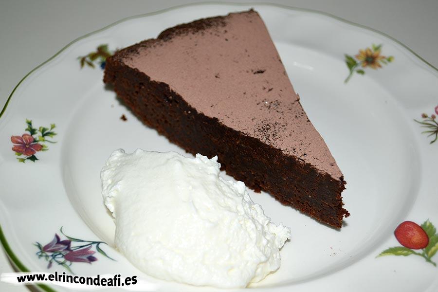 Tarta de chocolate cremosa, sugerencia de presentación