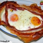Tartaletas de huevos y bacon con queso