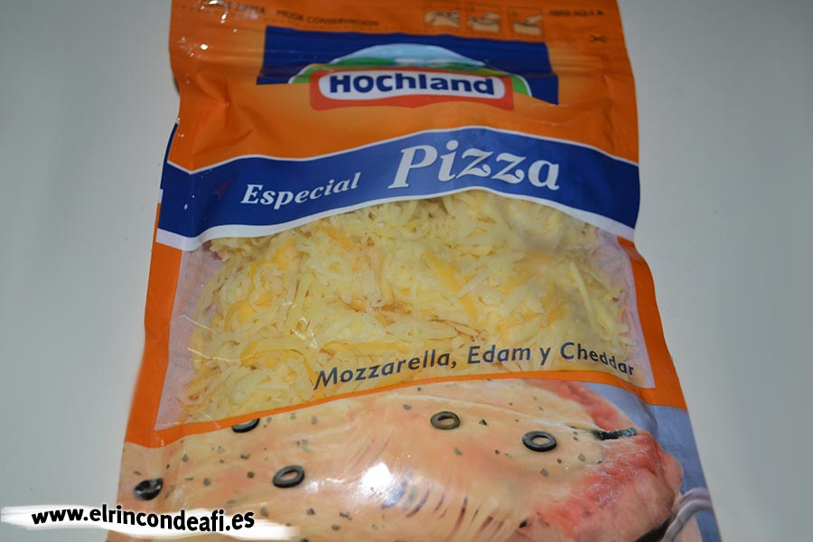 Espaguetis cuatro quesos, mezcla de quesos