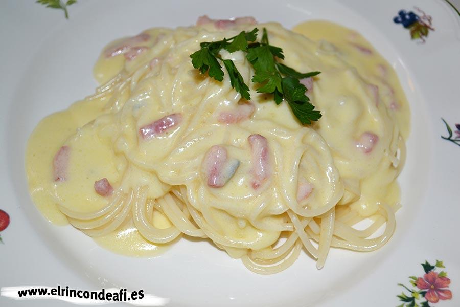 Espaguetis cuatro quesos, sugerencia de preparación