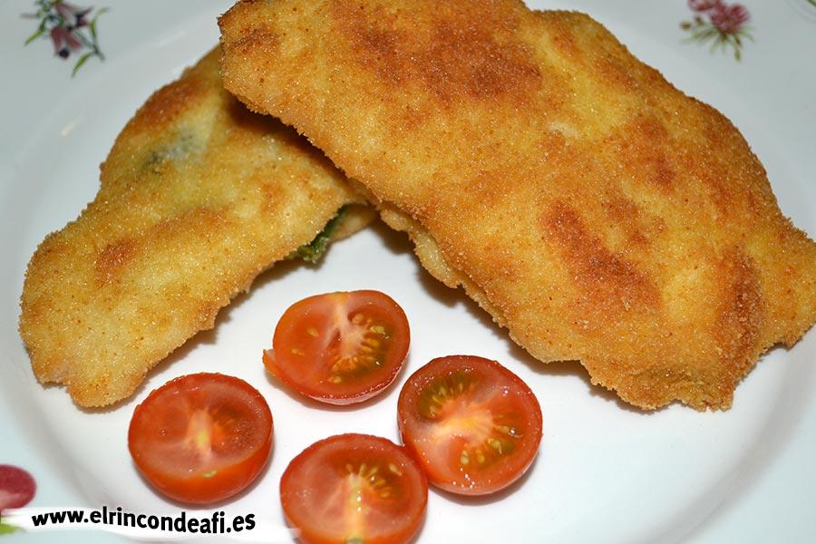 Pechugas rellenas de espárragos trigueros y queso, sugerencia de presentación