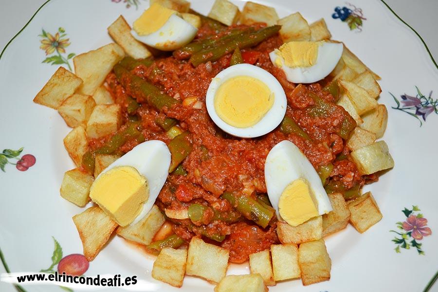 Con todo y huevos - 4 2