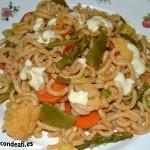 Pasta con verduras, sugerencia de presentación con alioli