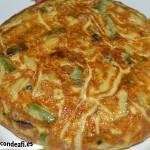 Tortilla de espárragos trigueros y champiñones