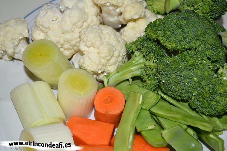 Panaché de verduras, preparar y trocear las verduras
