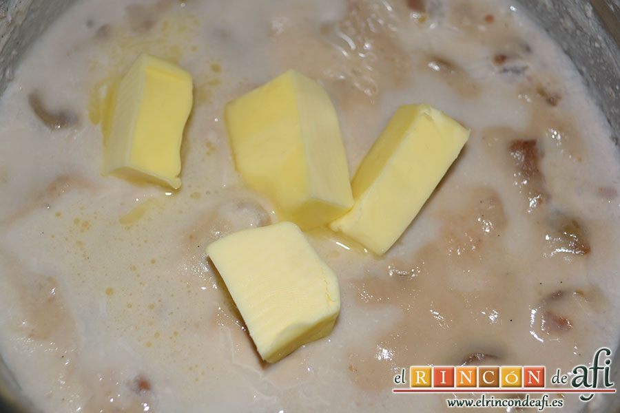 Puré de castañas, añadir la mantequilla