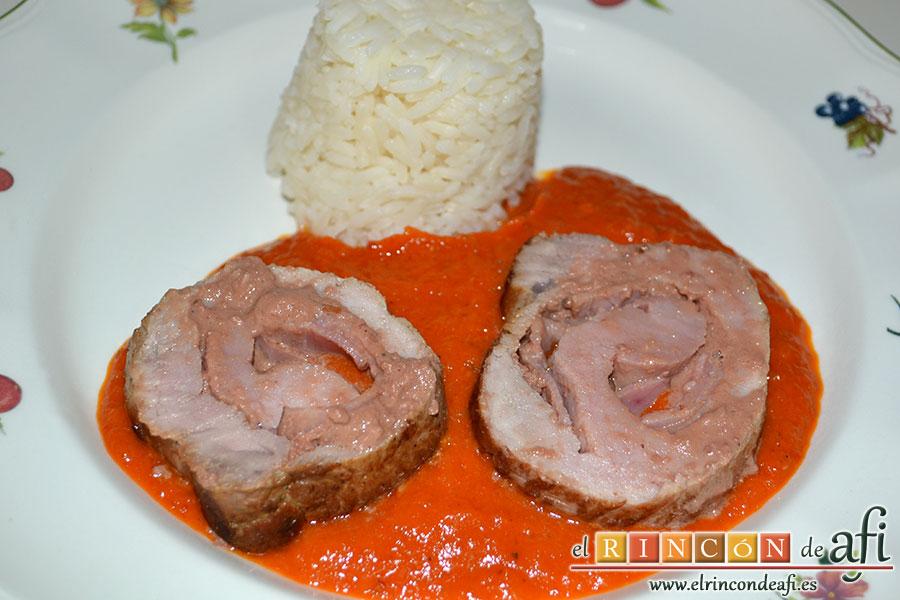 Solomillo de cerdo relleno con bacon y foie gras