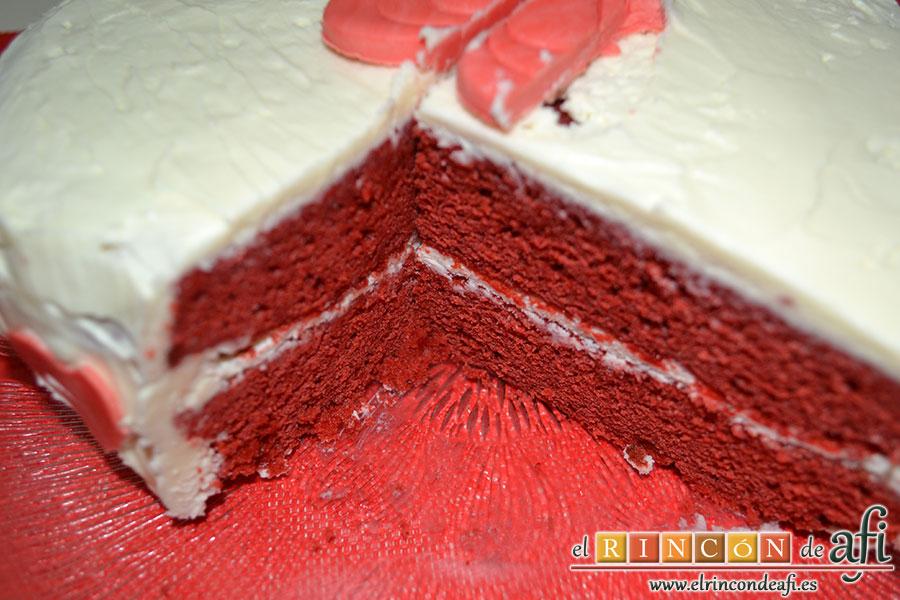Tarta Red Velvet, servir fría