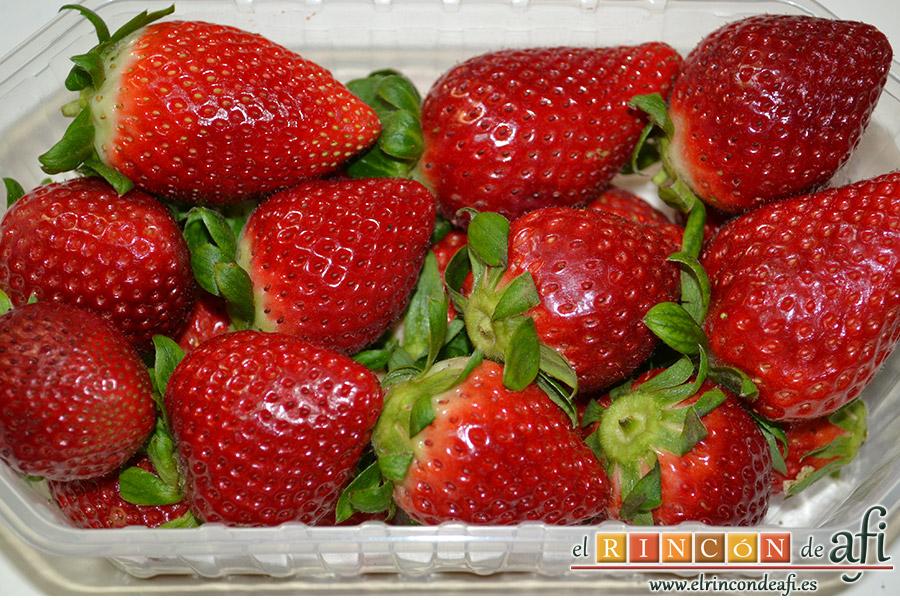 Mousse de fresa, lavar las fresas