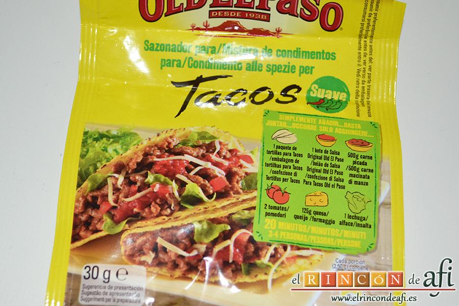 Fajitas de pollo y champiñones, abrir el sobre de condimento para fajitas