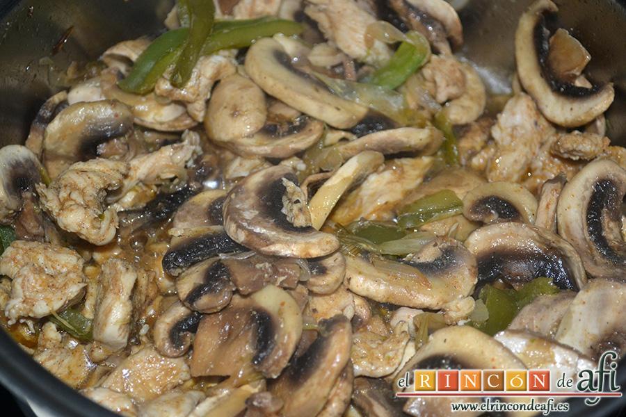 Fajitas de pollo y champiñones, integrar bien con el resto