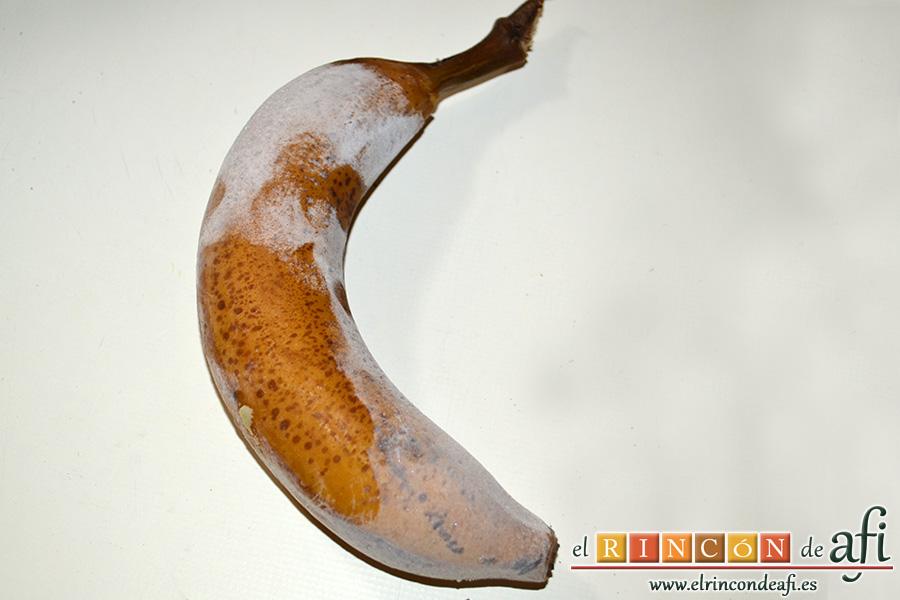 Helado instantáneo de plátano y chocolate, congelar los plátanos