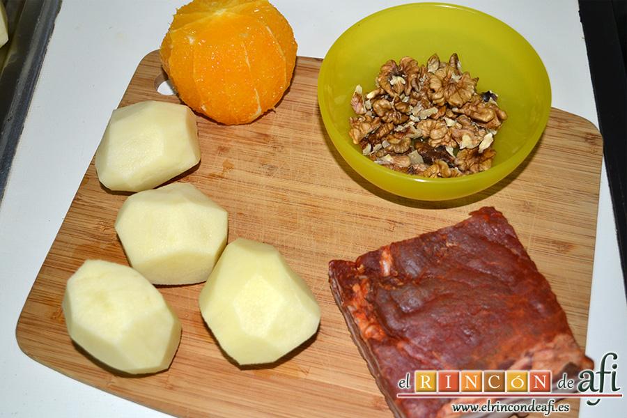 Ensalada variada con torreznos, preparar los ingredientes