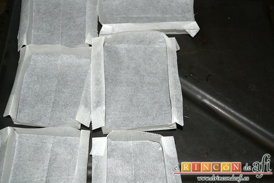 Sobaos pasiegos, preparar los moldes de papel o de lo que se tenga a mano
