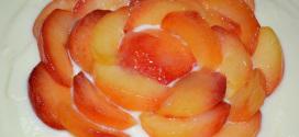 Tarta de ciruelas rojas