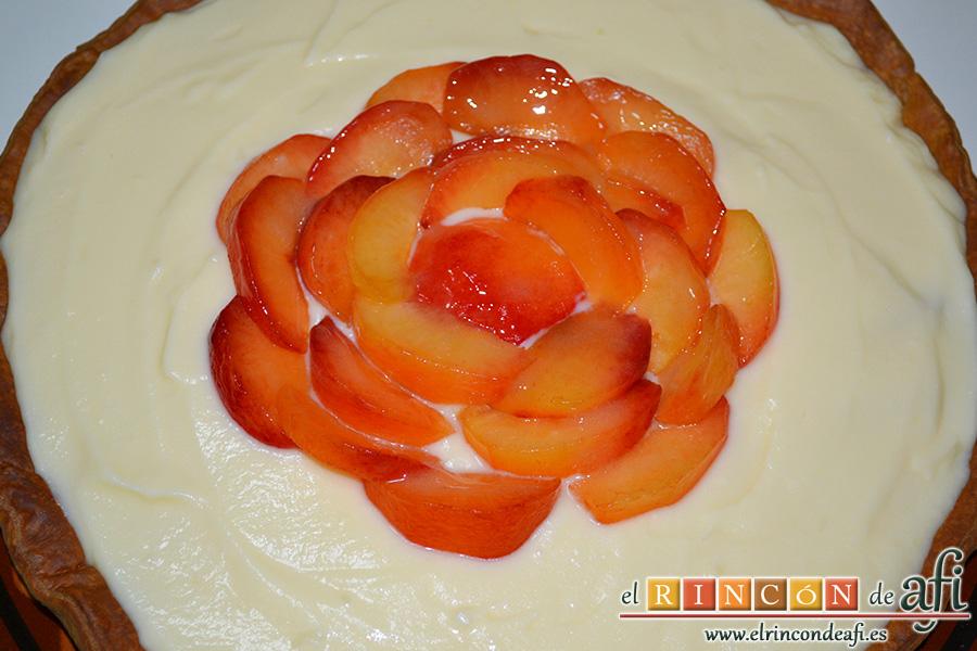 Tarta de ciruelas rojas, sugerencia de presentación