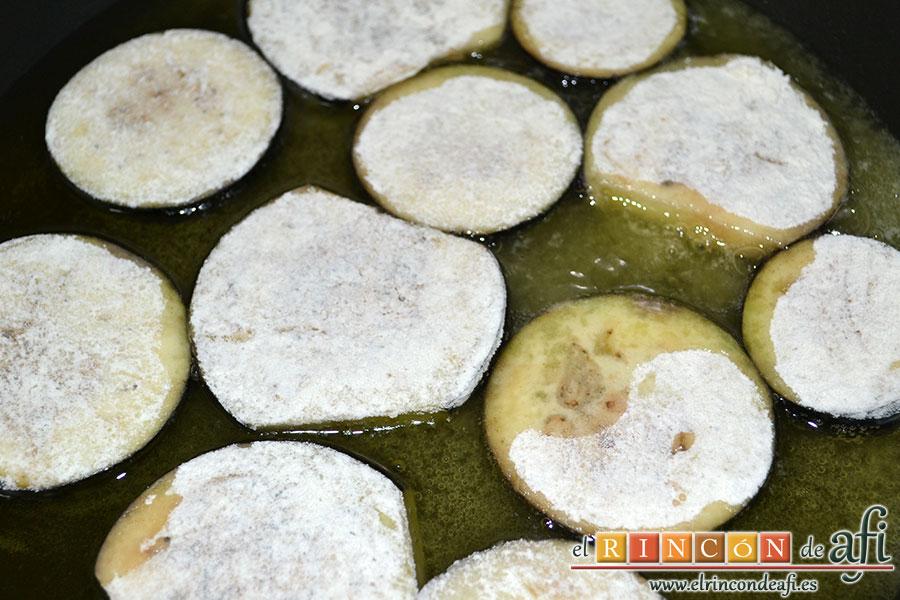 Entrecot de ternera con berenjenas y miel de caña, freír en aceite de oliva
