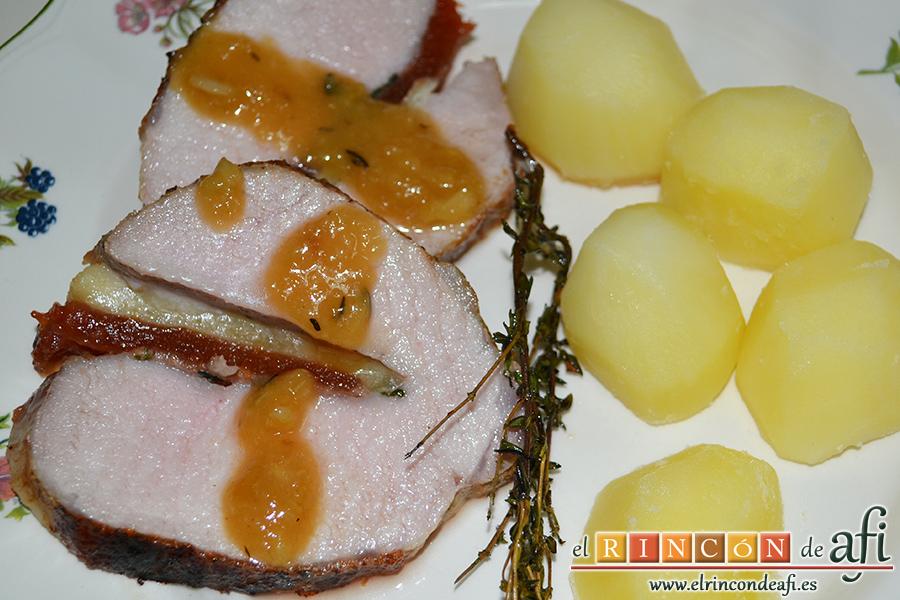 Lomo de cerdo al horno con queso manchego y membrillo, sugerencia de presentación
