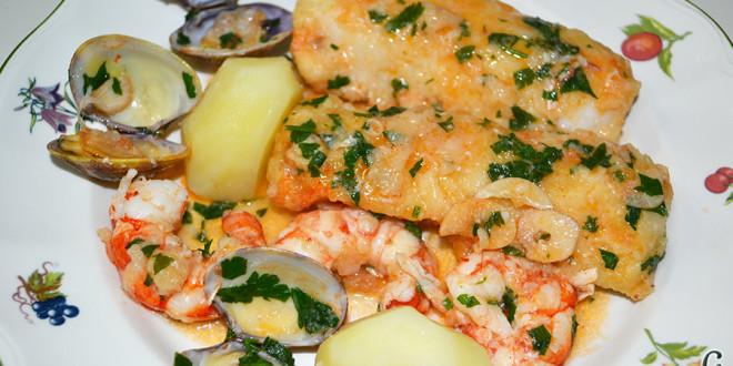 Lomos de merluza con salsa marinera