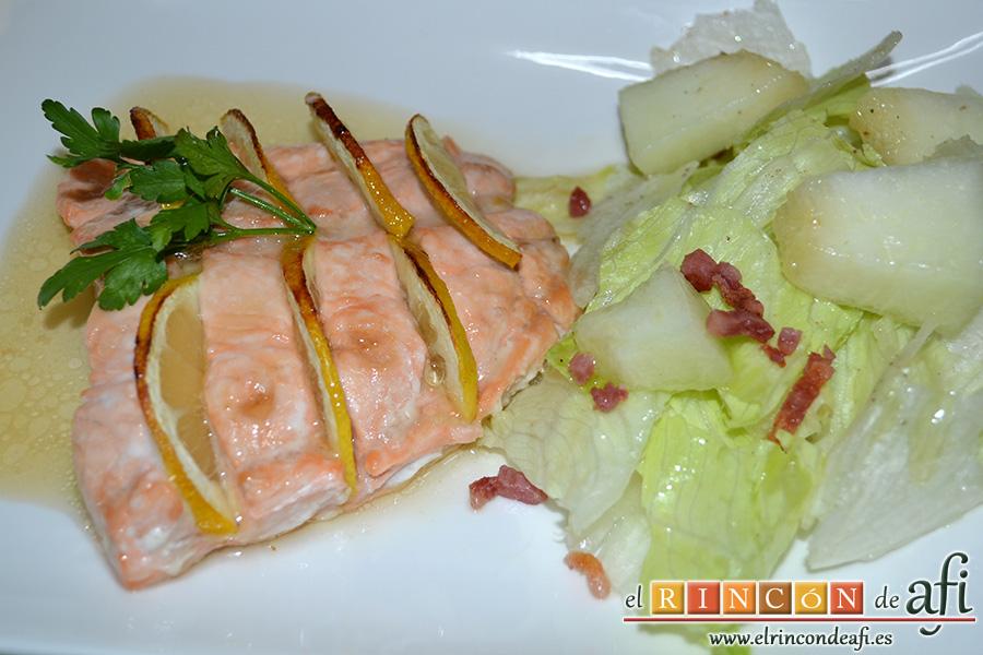 Salmón al horno con sirope de arce y limón, sugerencia de presentación