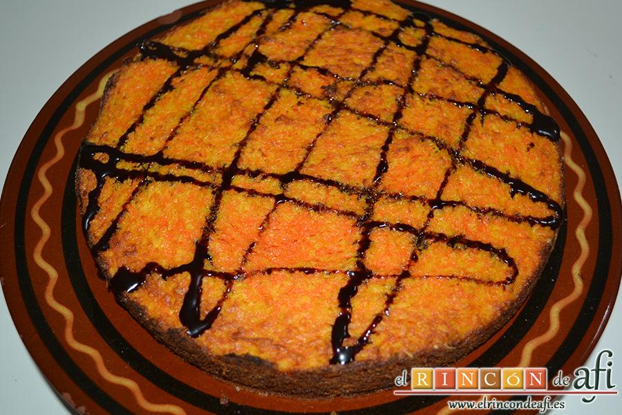 Tarta de zanahoria y coco, decorar al gusto