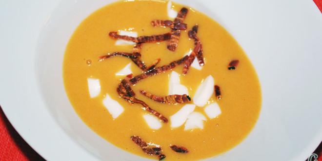 Crema de sopa de ajos