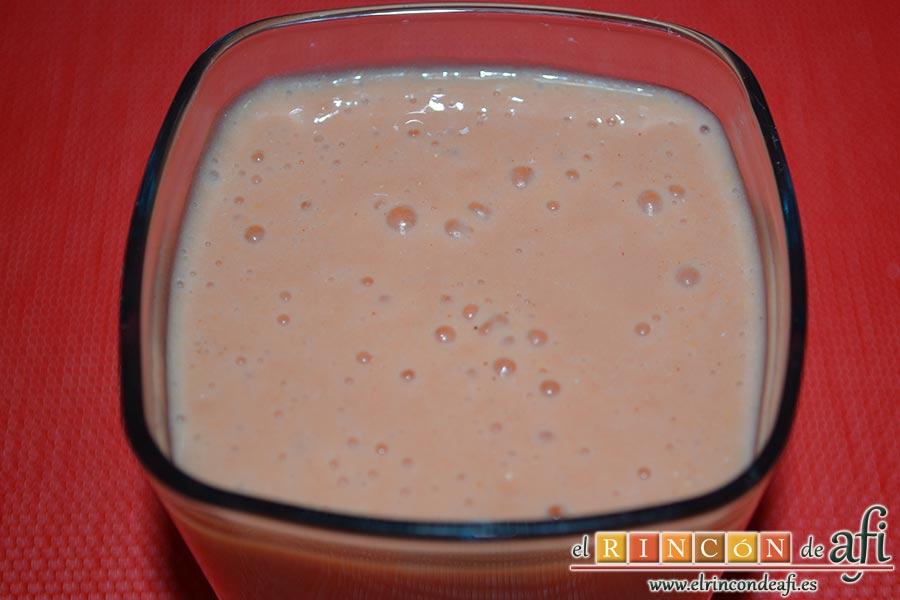Batido de guayabo, queso y naranja, sugerencia de presentación