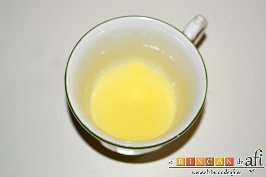 Crema de papaya, exprimimos un limón