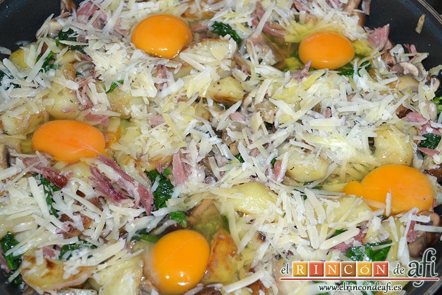 Frittata con papas, setas variadas, espinacas, codillo, queso Gruyère y huevos al horno, añadimos un huevo por persona