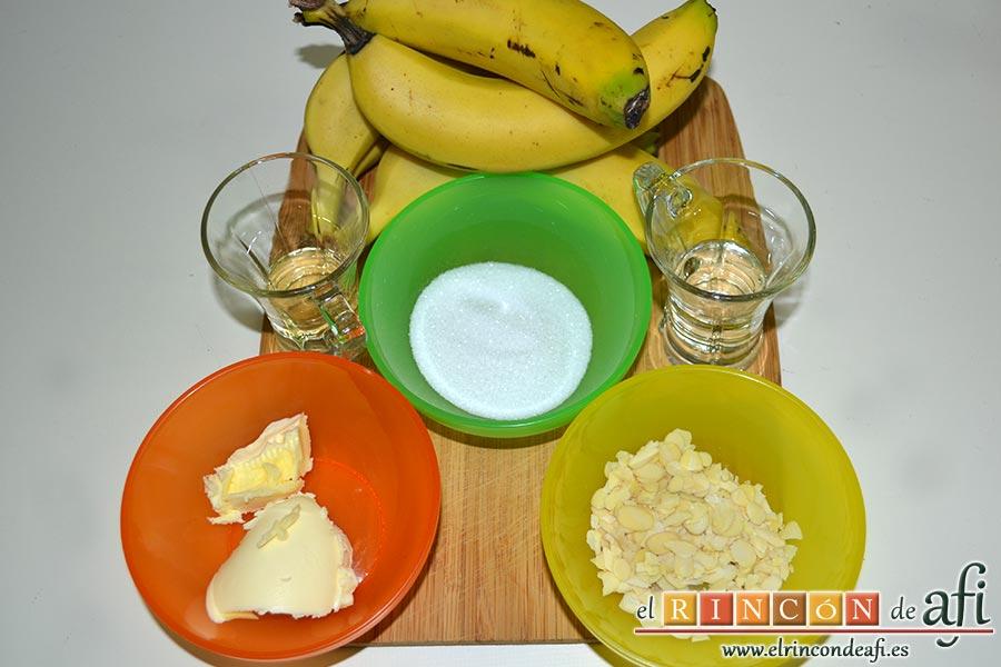 Plátanos fritos con almíbar y almendras laminadas, preparamos los ingredientes