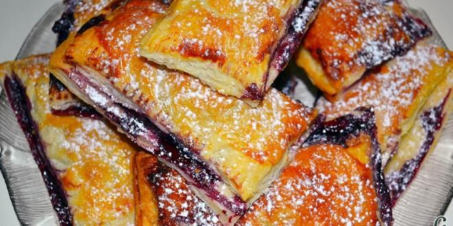 Empanadillas de cerezas y chocolate
