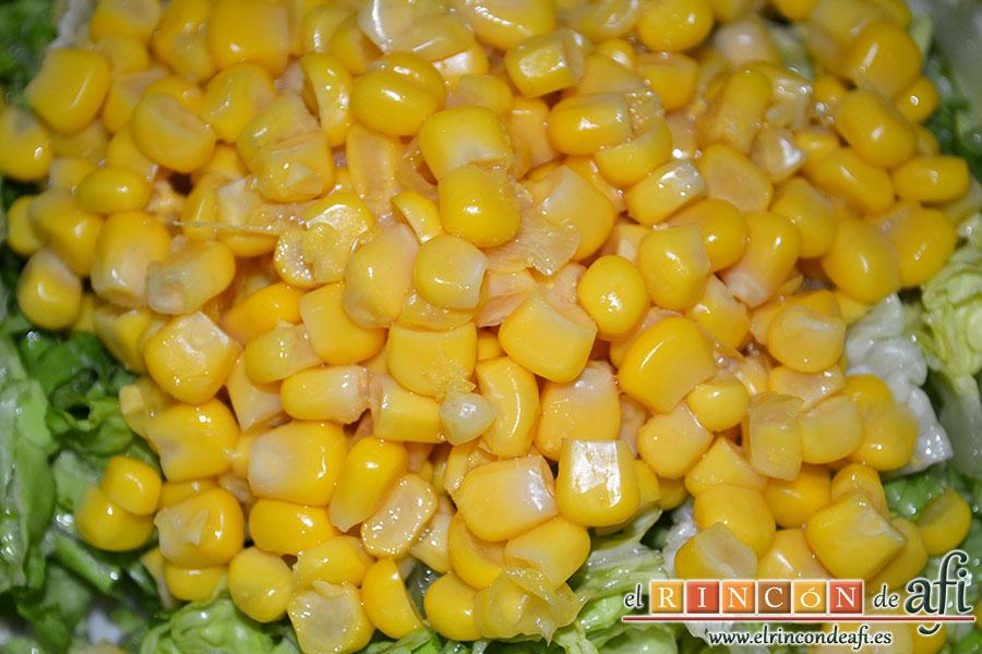 Ensalada variada, añadir el millo en lata