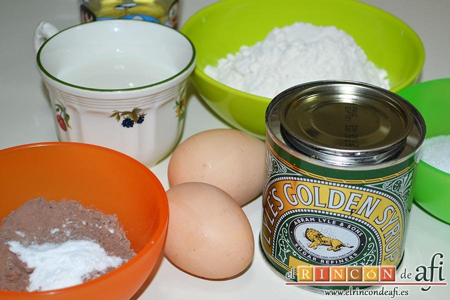 Bizcocho de chocolate esponjoso, preparar los ingredientes para el bizcocho